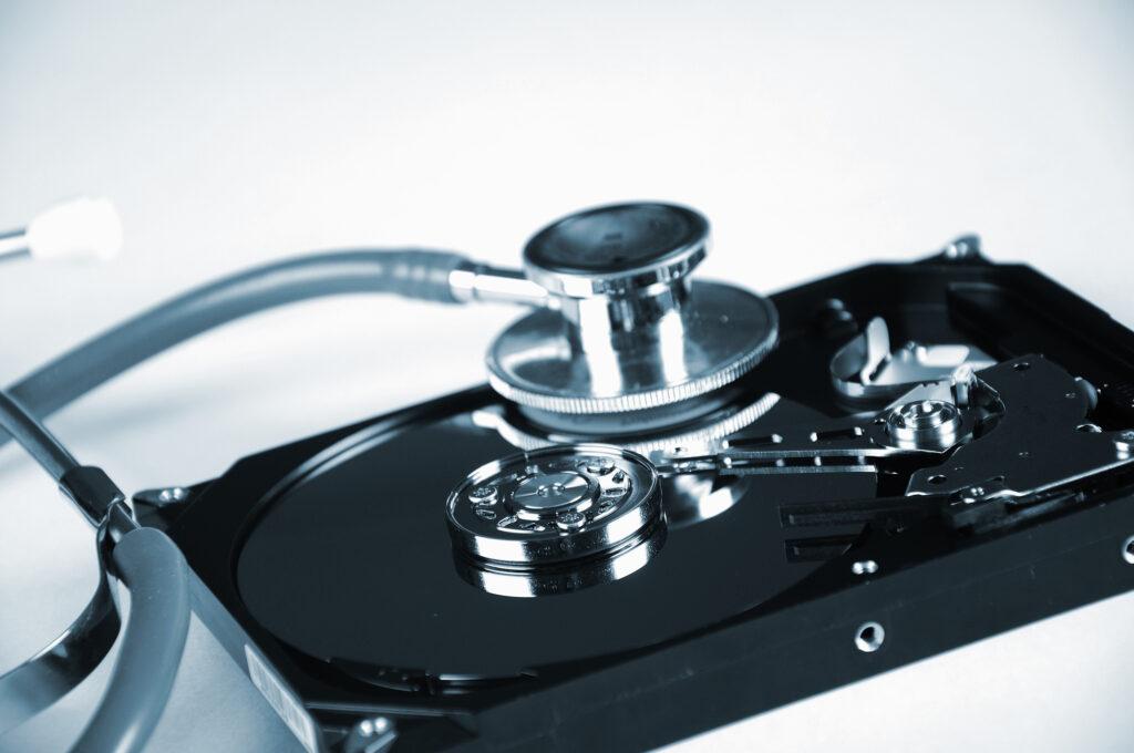 Odzyskiwanie danych z SSD darmowe programy a może lepiej doświadczony serwis.